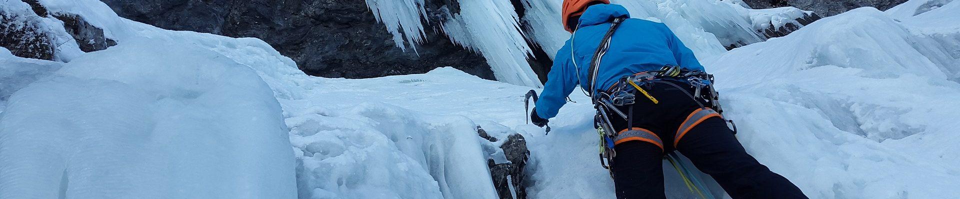 ice-climbing-3166077_1920
